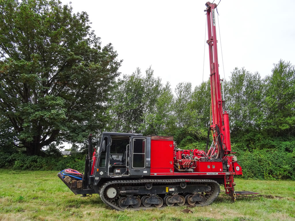 Limited Access All Terrain Rubber Track Drill Rigs Holt
